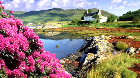 Great Britainscotlandhighland Cottage At Dornie On Loch Alsh
