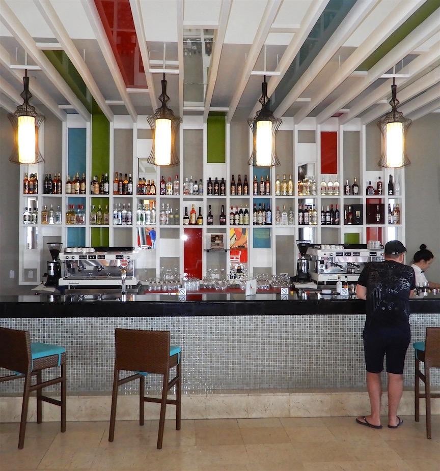 Le bar dans le lobby