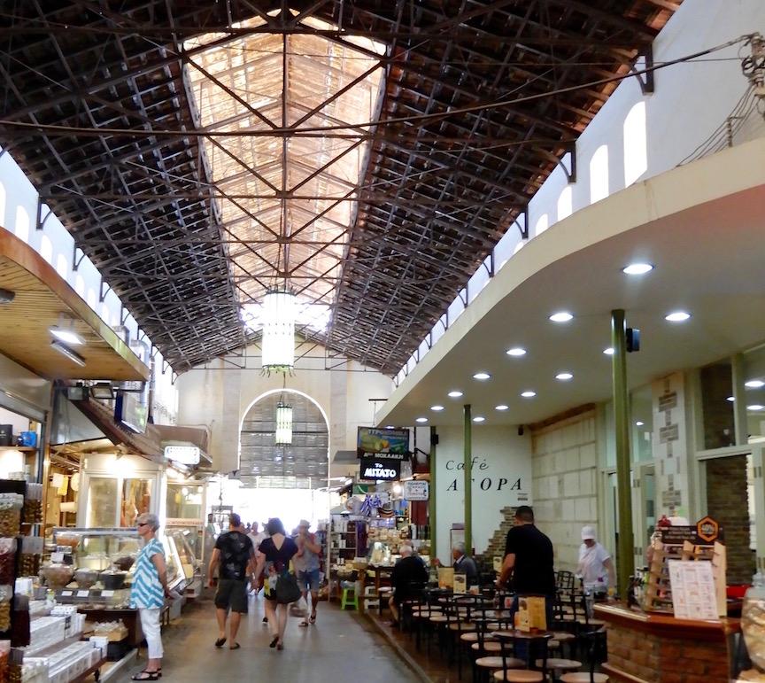 10. Le marché couvert