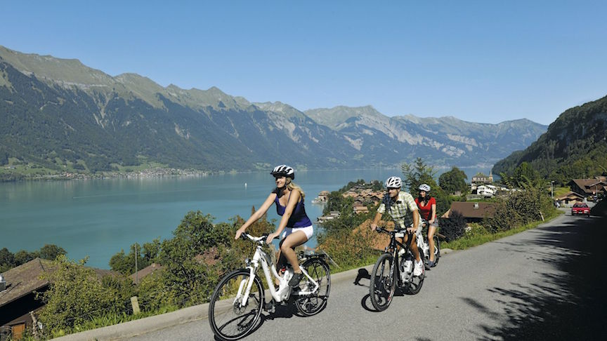 4. en vélo le long du lac de Brienz
