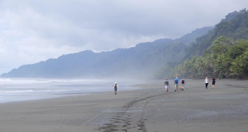 En route vers le Parc National de Corcovado sur la plage sauvage et quasi déserte de la côte Pacifique